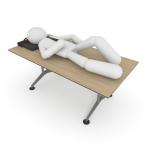 うつ伏せ(横向き)で寝るとの緑内障になりやすいのか?眼圧上昇リスク